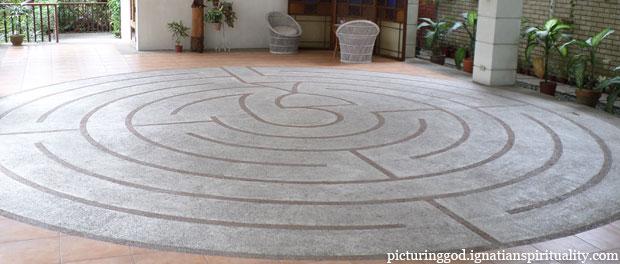 labyrinth - image via Picturing God