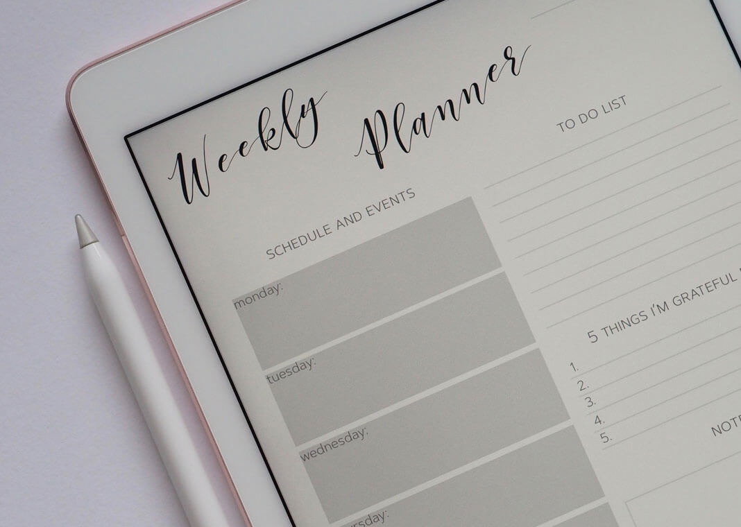 to-do list - weekly planner - photo by Plush Design Studio on Unsplash