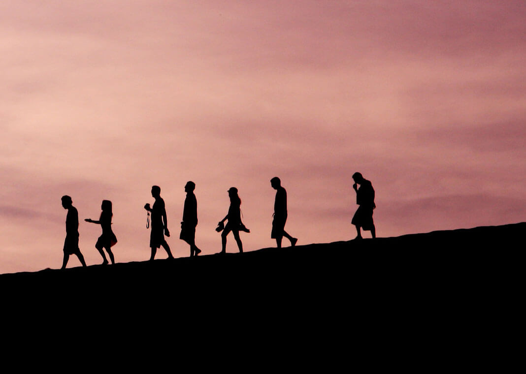 people following in a line - photo by Jehyun Sung on Unsplash