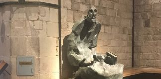 statue of Ignatius as a beggar by the sculptor Lau Feliu - Church of Santa Maria del Mar in Barcelona - image courtesy of Marina McCoy