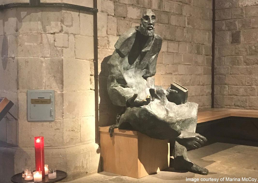 statue of Ignatius as a beggar by the sculptor Lau Feliu - Church of Santa Maria del Mar in Barcelona - image courtesy of Marina McCoy