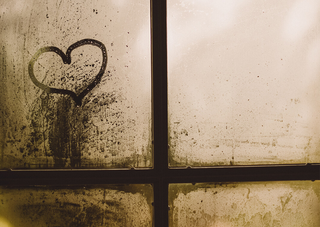 heart on foggy window - photo by Gaelle Marcel on Unsplash