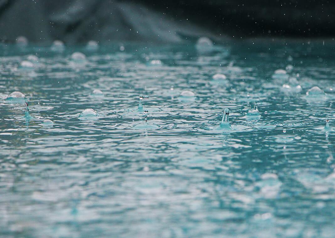 rain falling - photo by Inge Maria on Unsplash
