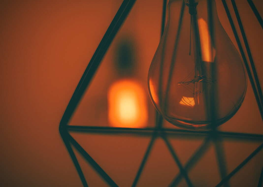 lightbulb - aha moment - photo by Artur Matosyan on Unsplash