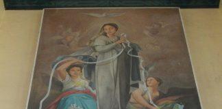"""""""Mary, Untier of Knots"""" in Expiatory Chapel (Parsolingan, Gerona, Tarlac), public domain, via Wikimedia Commons"""